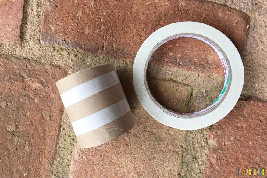 Um jeito diferente de brincar com a natureza - braceletes com fita colada