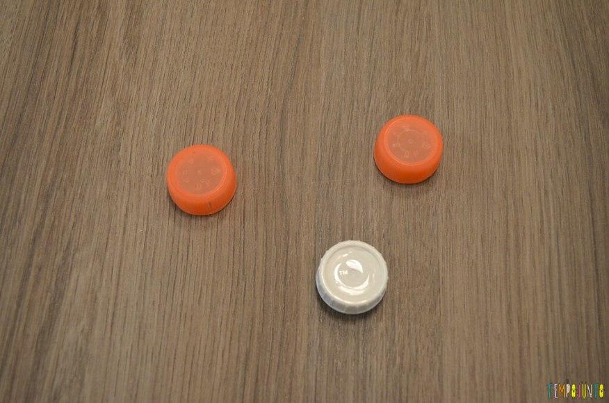 Futebol de botão simples para a mesa do restaurante - botoes dispersos
