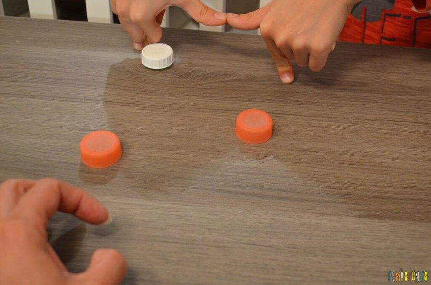 Futebol de botão simples para a mesa do restaurante - golzinho 2