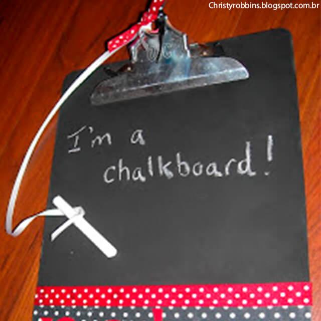 10 ideias de presentes feitos pelas crianças para o Dia dos Professores - prancheta de lousa