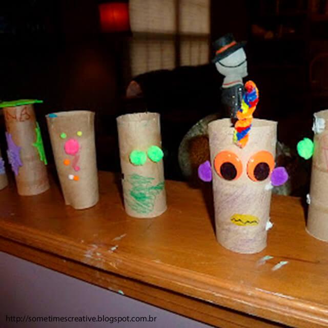 10 ideias criativas para o Dia das Bruxas - monstrinhos rolo de papel higienico