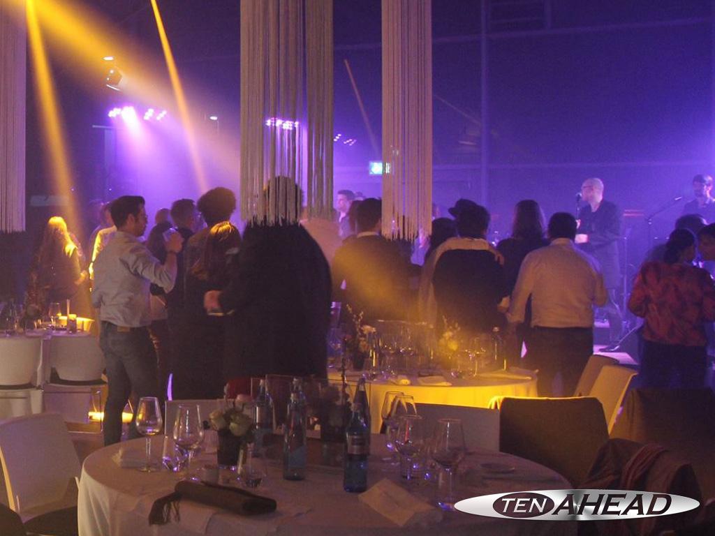 Liveband Süddeutschland, Showband Deutschland, Coverband NRW, Partyband NRW, tenahead
