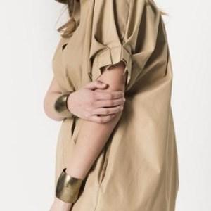 camicia collo coreana e manica corta con pieghe