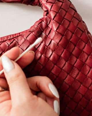 Renovation d'un sac à main Bottega Veneta