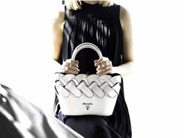 Nouveaux sacs à motifs tissés de Prada