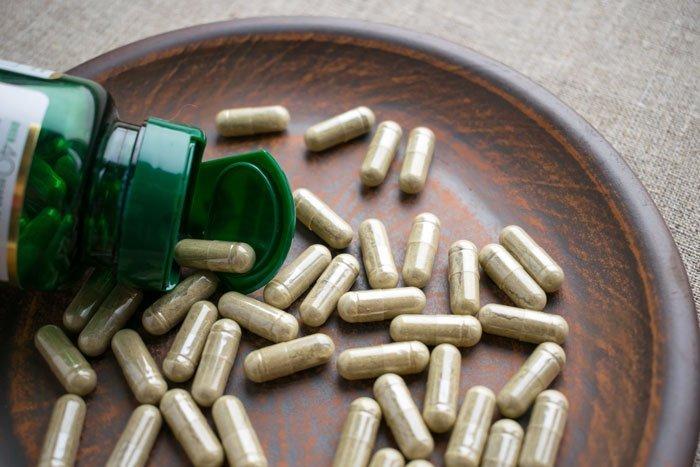 Complementos vitamínicos con vitamina H