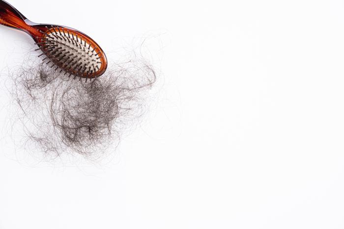 Causas de la pérdida de cabello en la mujer
