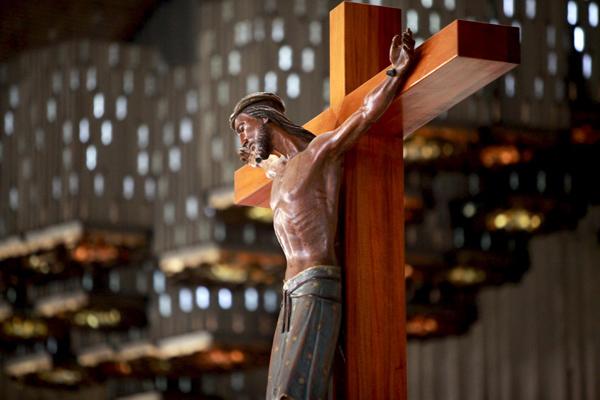 Oración de liberación, por Monseñor Morales
