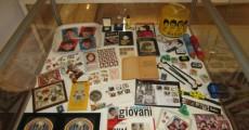 objetos de john lennon 230x120 São Paulo recebe exposição Beatles   50 Anos de História