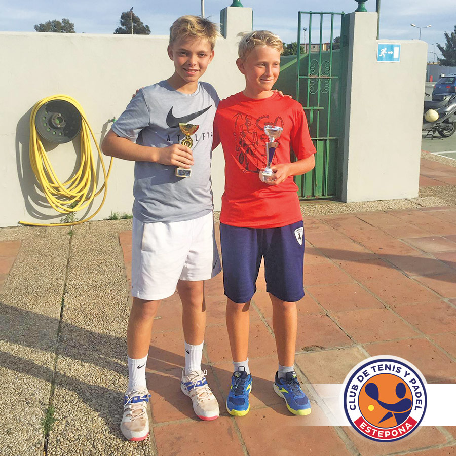 ¡Enzo Riccardo Kamp campeón infantil del club de tenis linense!