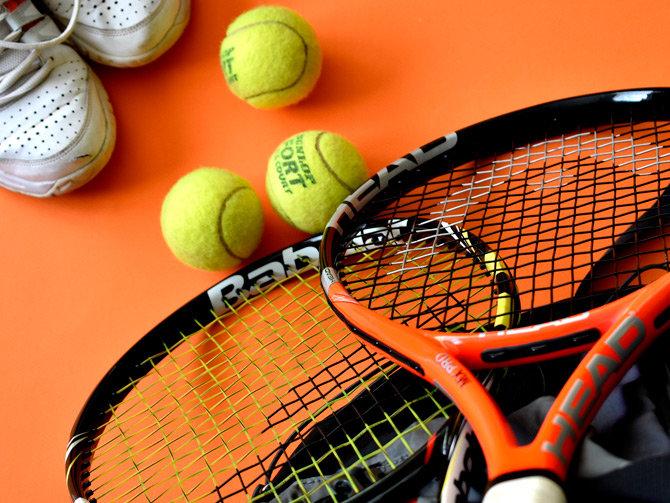 Apúntate a nuestras clases de tenis cerca de Marbella