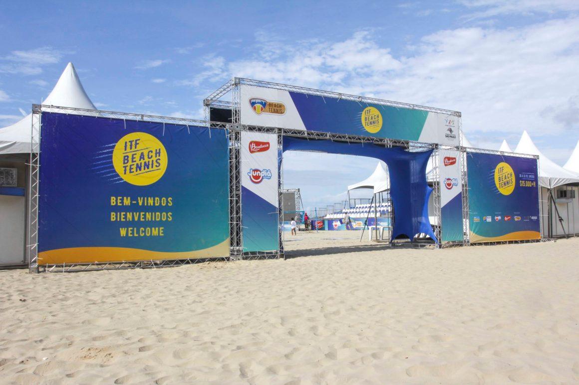 ESTRANGEIROS DOMINAM O ITF DE BEACH TENNIS NO GONZAGA EM SANTOS