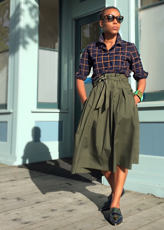10 Reasons to Love Uniqlo High Waist Midi Skirt | Ten Key Pieces