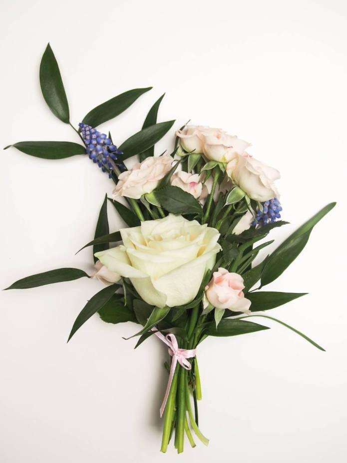 gėlės mamos dienai