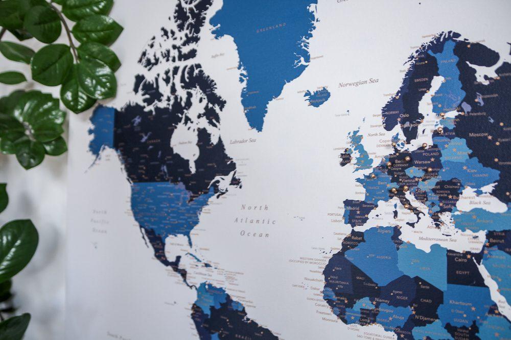 pasaulio žemėlapis ant drobės