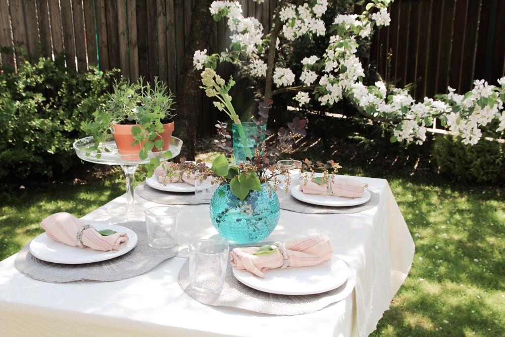 kaip padengti stalą vasarą