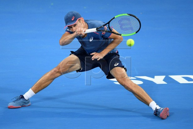 Alex de Minaur of Australia in action against Jordan Thompson of Australia during their quarter final match at the Sydney International tennis tournament at Sydney Olympic Park Tennis Centre in Sydney, New South Wales, Australia, 10 January 2019.  EPA-EFE/DAN HIMBRECHTS AUSTRALIA AND NEW ZEALAND OUT  EDITORIAL USE ONLY