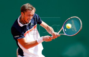 Daniil Medvedev of Russia in action during his quarterfinal match against Novak Djokovic of Serbia at the Monte-Carlo Rolex Masters tournament in Roquebrune Cap Martin, France, 19 April 2019. EPA-EFE/SEBASTIEN NOGIER