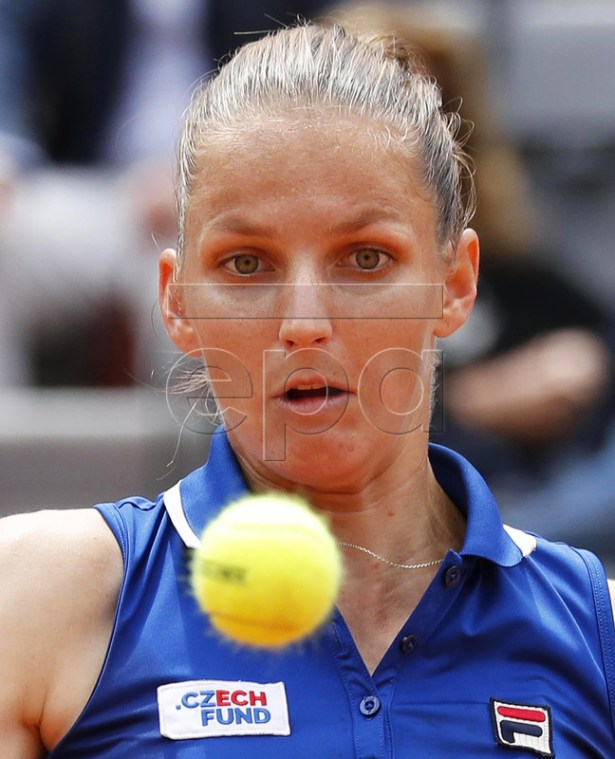 Karolina Pliskova of the Czech Republic in action against Johanna Konta of Britain during their women's singles final match at the Italian Open tennis tournament in Rome, Italy, 19 May 2019. EPA-EFE/RICCARDO ANTIMIANI