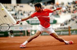 Novak Djokovic of Serbia plays Dominic Thiem of Austria during their men?s semi final match during the French Open tennis tournament at Roland Garros in Paris, France, 07 June 2019. EPA-EFE/YOAN VALAT