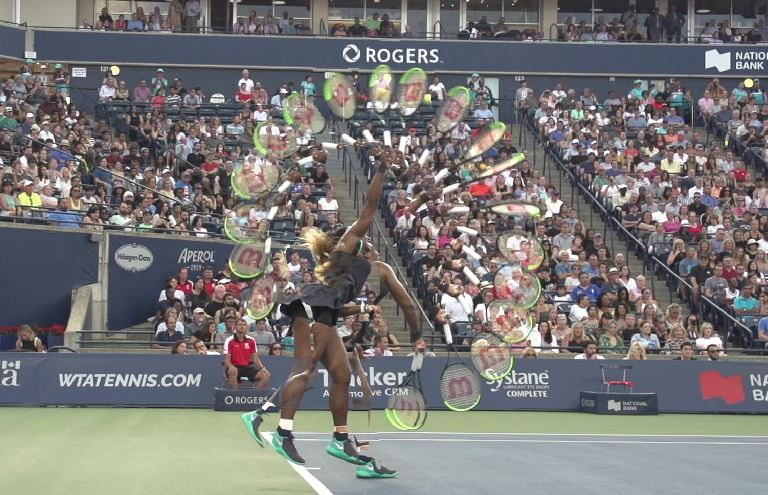 Serena Williams serve swing path