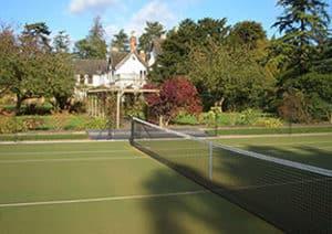 En-Tout-Cas tennis court
