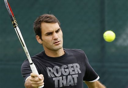 Federer practices at Wimbledon