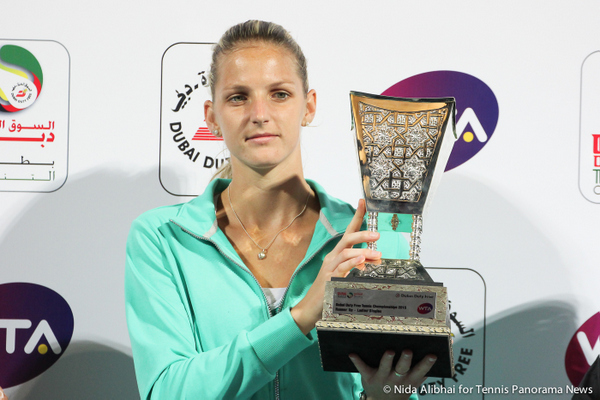 221 Dubai Pliskova with runner-up trophy-001