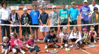 Erste Runde im Tennis-Sommercamp 2011