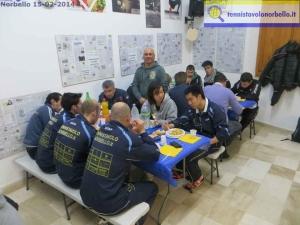 Il vice presidente Tista Mele veglia sui giocatori durante il terzo tempo