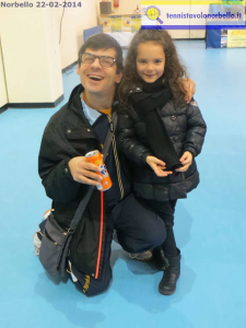 L'atleta paralimpico Mauro Mereu con Rebecca Carrucciu