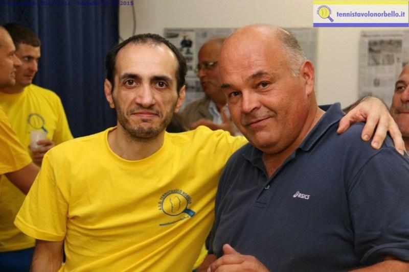 a sx Alberto Cualbu con il fotografo Gianluca Piu