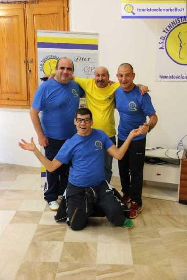 Tore Scotto e il team paralimpico (Foto Gianluca Piu)