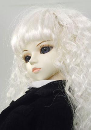 Leona01