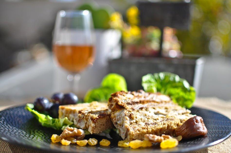 Terrine de roquefort aux fruits secs et au pain d'épices