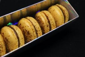 Macarons chocolat passion en boite