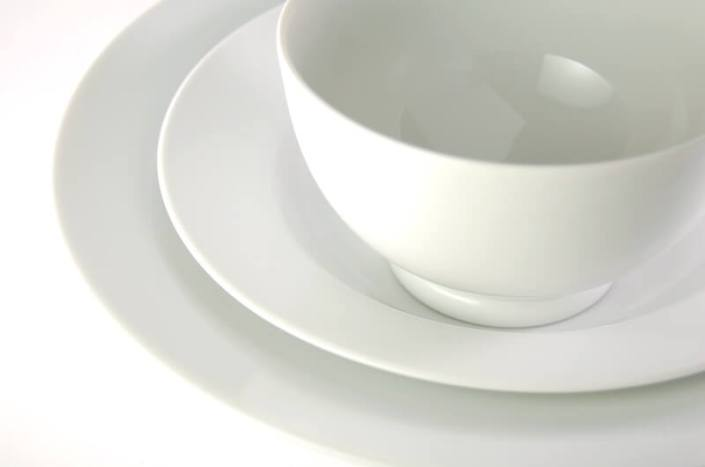 table setting rentals- Round White China