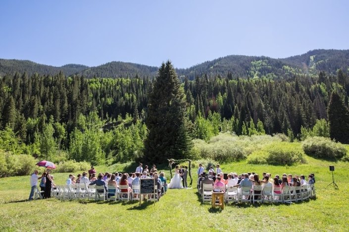 White Garden Resing Wedding Ceremony Chairs