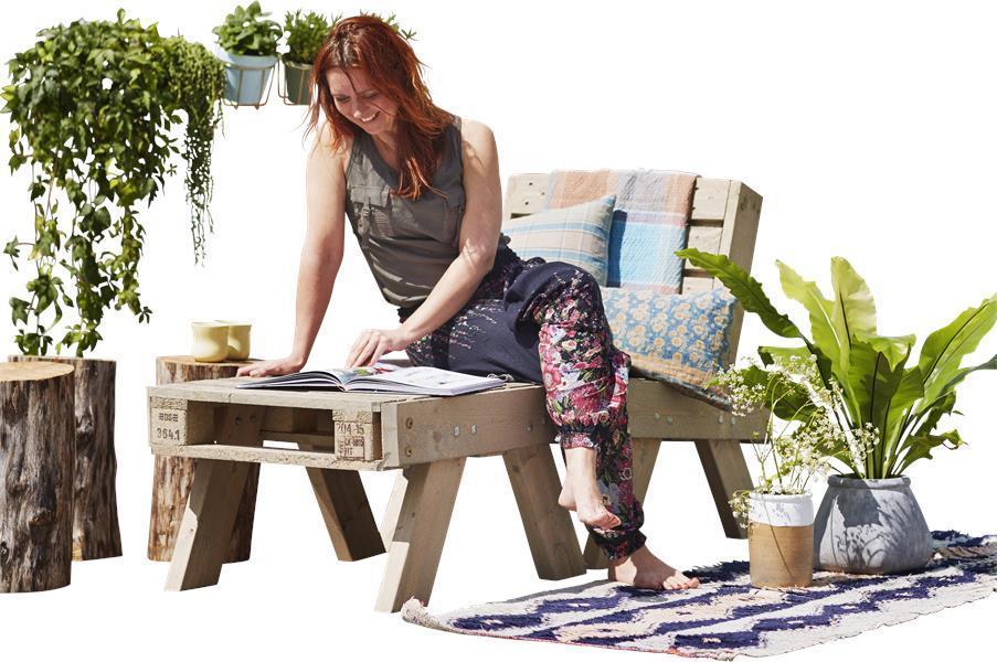 ensemble de jardin en palette fauteuil petite table basse