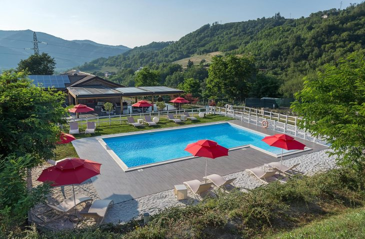 Swimming pool and Solarium