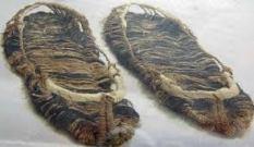 Sandalele descoperite in mormant