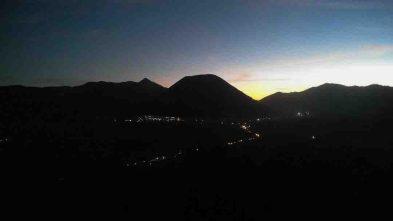 Suasana malam menjelang ritual adat Tengger, Yadnya Kanada dari Cemoro Lawang, Ngadisari, Probolinggo (Terakota.id/ Eko Widianto)