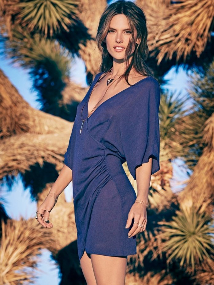 800x1066xale-alessandra-planet-blue-clothing5.jpg.pagespeed.ic.1LAt-Vv3pv