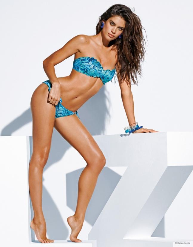sara-sampaio-calzedonia-bikinis-2015-11