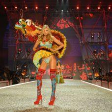 victorias-secret-fashion-show-2016-2