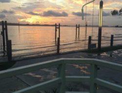Di Restoran Sederhana Harbour Bay, Satu Porsi Bakwan Hanya Seribu Rupiah