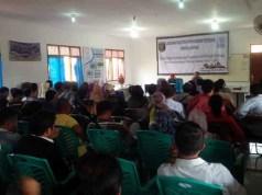 Ratusan eks-fasilitator PNPM Mandiri Perdesaan menandatangani kontrak di Kantor IPPMI Lampung di Bandarlampung, 24-25 Juni 2015.