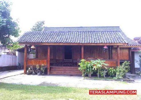 Bangunan Keratuan Darah Putih di Panengahan, Lampung Selatan (Foto: Teraslampung.com/Teraslampung.com)