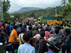 Tabrakan maut di Tanjakan Tarahan Lampung Selatan, 22 Maret 2018: empat korban tewas.
