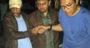 Bripka Iwan Sarjana keluar dari Mako Brimob Kelapa Dua, Depok,Kamis dini hari (10/5/2018). Foto: merdeka.com